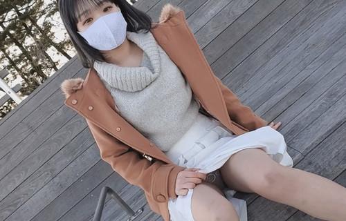 【オボワz☆ 投稿作品】【無修正】上京してきた色白素朴少女。お泊り連続中出し